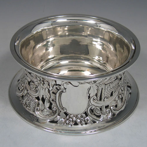 Antique Victorian sterling silver dish ring, made in London, 1899. Diameter 16 cms. Please note that the liner is silver plate.